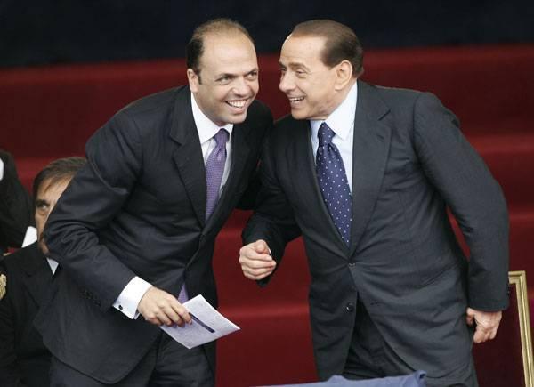 Il Presidente del Consiglio, Silvio Berlusconi con il Guaradasigilli, Angelino Alfano