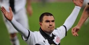 Bojinov esulta dopo il gol del momentaneo 1-2
