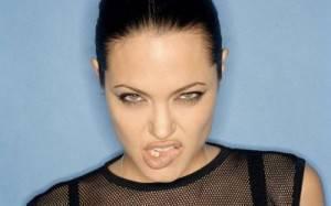 Angelina-Jolie-43