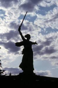 RUS_Wolgograd_2003_06_16_Mutter_Russland