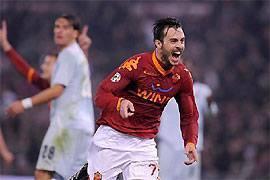 Marco Cassetti esulta dopo il gol vittoria