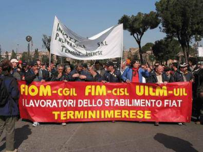 Metalmeccanici manifestano a Termini Imerese