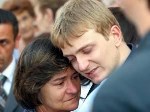 Rita Poggi, insieme ad Alberto Stasi, il giorno del funerale di Chiara