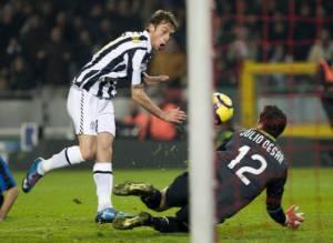 Marchisio supera Julio Cesar: è il gol del 2-1