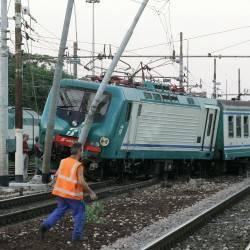 treno-deragliato-250