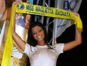 http://www.newnotizie.it/wp-content/uploads/2010/09/miss-maglietta-bagnata-2010-300x227.jpg