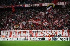 La Curva del Bayern solidarizza con i nostri bistrattati tifosi