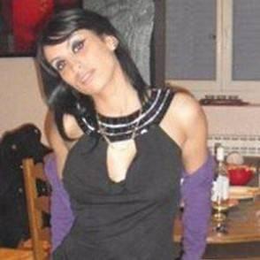 Ragazza colpita dal fidanzato vivr con proiettile in testa - La ragazza alla finestra dali ...