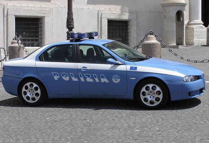 Polizia-macchina-grande