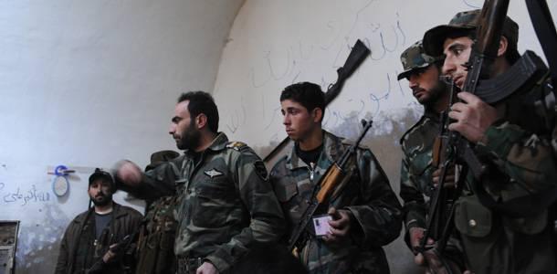 """Siria, importante annuncio di un generale ribelle: """"Abbiamo ricevuto armi da Francia e Usa"""""""