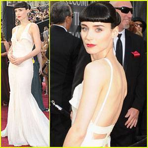 rooney-mara-2012-oscars-red-carpet