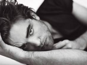 Robert Pattinson Roma 294x218 Robert Pattinson seduce Roma
