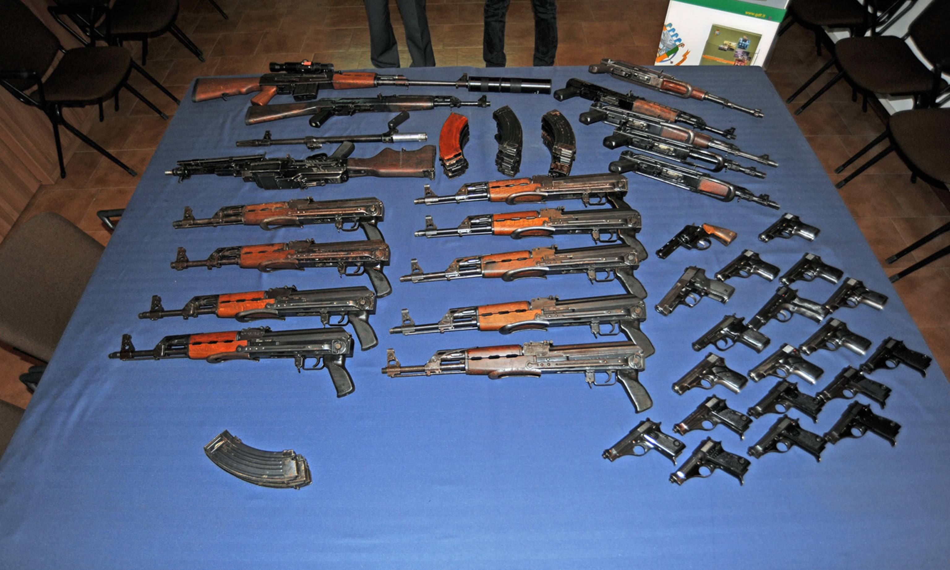 Usa: uomo con arsenale di armi minacciava altra strage in indiana