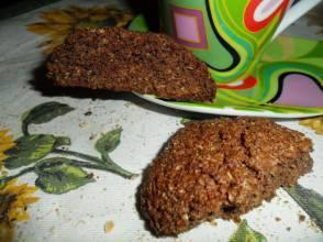 Biscotti rustici a base di crusca e cacao