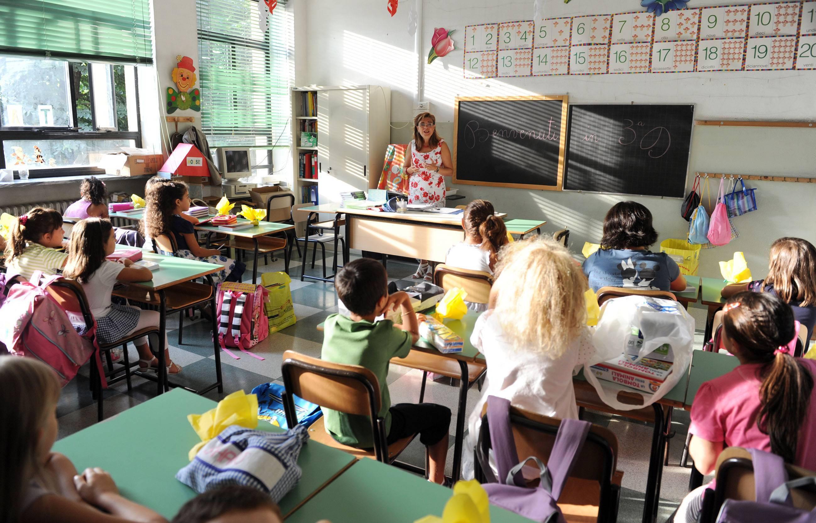 Scuola troppi tagli e pochi soldi agli insegnanti for Scuola arredatore d interni