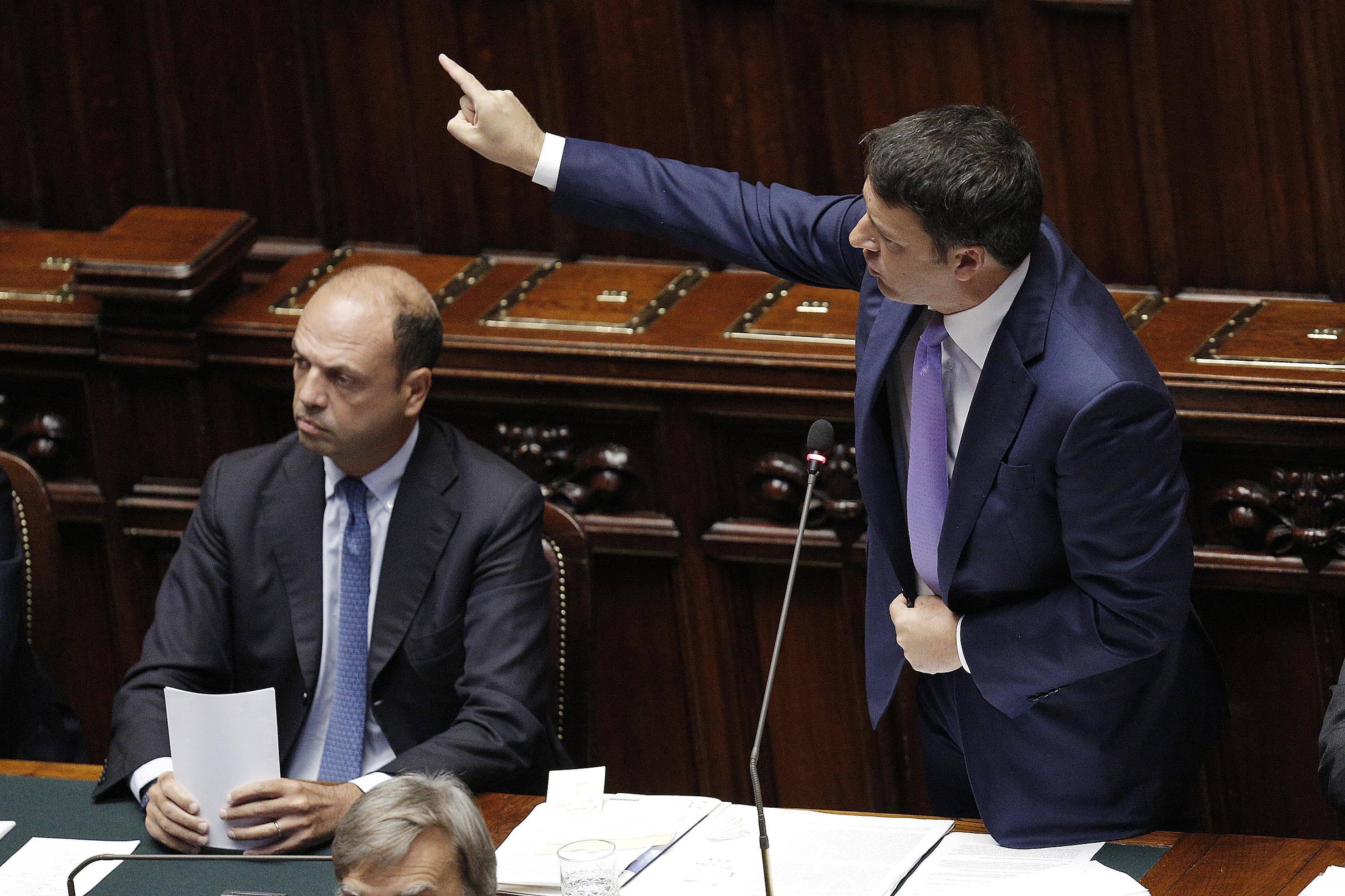 ++ Renzi, noi siamo con Italia che si spezza la schiena ++