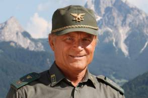 terence hill in un passo dal cielo