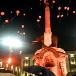 Catania, il Liotro illuminato d'arancione contro il razzismo