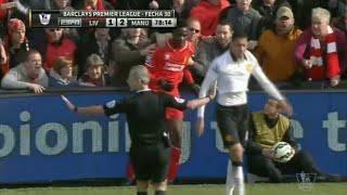 Un'immagine di Balotelli contro Sterling