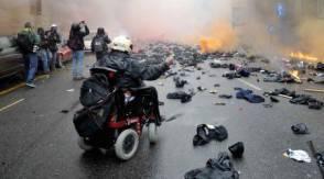 milano_devastata_dai_no_expo_scontri_in_strada_auto_e_negozi_in_fiamme_accuse_e_polemiche-0-0-439292