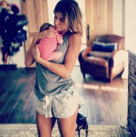 Elisabetta Canalis, fisico al top a tre mesi dal parto