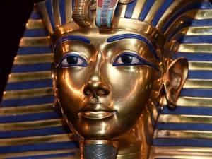 Tutankhamon, nuovi misteri nella sua tomba