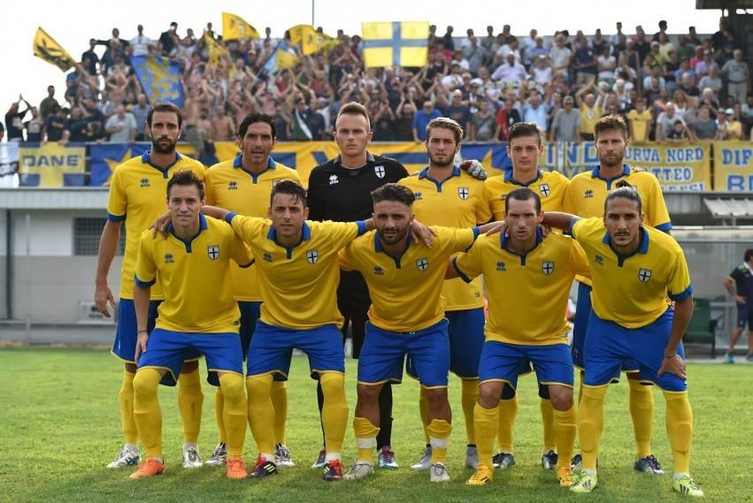 Parma-15-16-Kits (3)