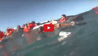 catamarano affonda in costa rica