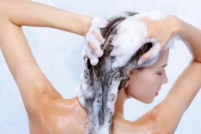 come-trasformare-uno-shampoo-aggressivo-in-uno-shampo-doccia-delicato_f97d7f94f9d7bdc9577c6d71039144bd
