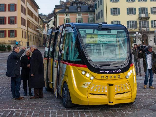 Autobus senza conducente, a Sion (Svizzera) ti porta nel centro storico