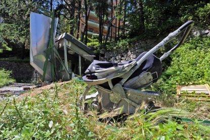 Genova, crolla ascensore pubblico: grave una donna, ferita la figlia