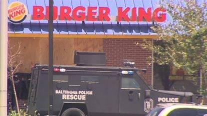 Burger-King-officers-outside_1468794146269_4124869_ver1.0