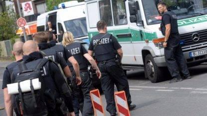 Berlino, spara al medico e poi si suicida