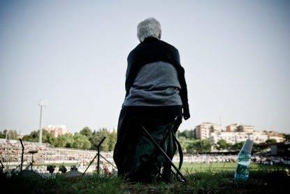 Cuneo, abusava di anziana in casa di riposo: arrestato