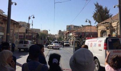 Gerusalemme, ventenne palestinese sale sul tram con ordigno: sventato l'attentato