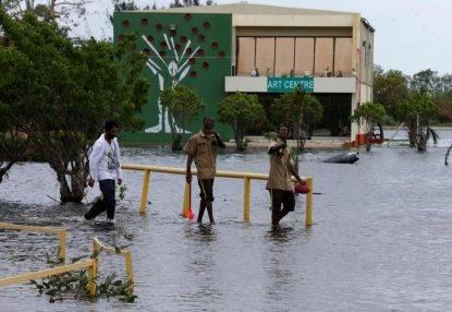 L'uragano Earl si abbatte sull'America Centrale