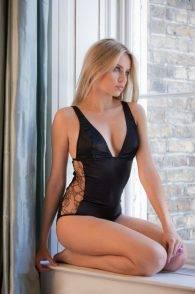 Xenia-Tchoumitcheva-sexy-lingerie-Myriam-Girard3