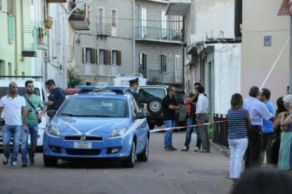 Nuoro, 82enne litiga coi due vicini di casa e li uccide