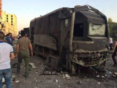 Bomba turchia camionetta polizia