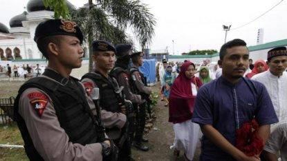 Indonesia, aggressione ad un prete durante la messa in chiesa cattolica