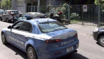 Mazara, trovati morti due conviventi Tagli alla gola, ipotesi duplice omicidio