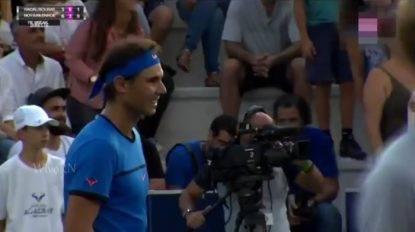 Mamma perde figlia sugli spalti, Nadal interrompe il match