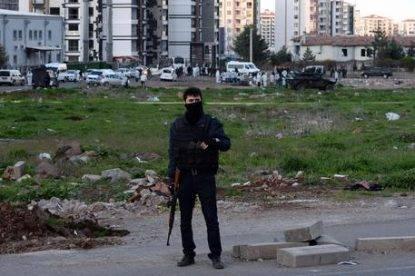 Turchia, esplosivo tra le tombe: sventato attentato in un cimitero