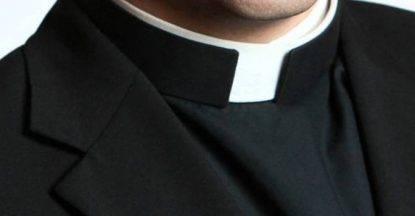 Sesso a pagamento con minore, arrestato anche un prete