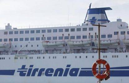 Cadavere su nave Tirrenia a Porto Torres, domani nuove ispezioni