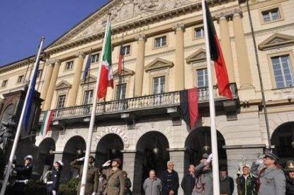 Celebrazioni per la Giornata dell'Unità Nazionale e delle Forze Armate in piazza Chanoux