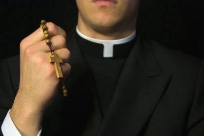 ex-prete-arresto