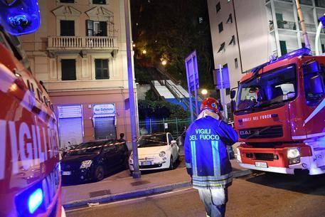 Rogo in appartamento a Genova: fiamme partite da cucina