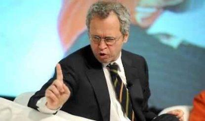Enrico Mentana contro Beppe Grillo: