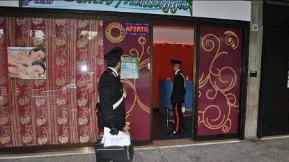 Blitz a Torino, chiusi 47 centri massaggio cinesi